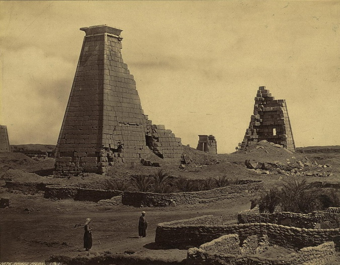 Photos of Ancient Egyptian Monuments More Than 100 Years Ago (11)
