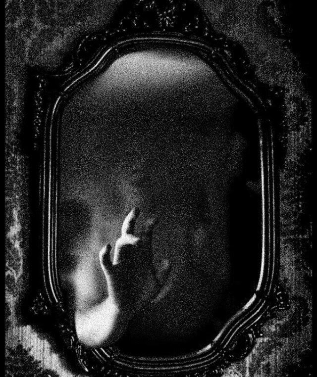 scary-mirror-1